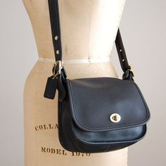 vintage coach purse / black leather coach saddle purse on Etsy, $75.00