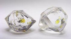水晶 Quartz (石油、タール、気泡入り)  Wadd Mine Balucthistan パキスタン