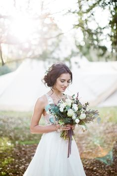 Image by Melissa Beattie - Big Chief Tipis |Styling by Nina Marika | Flowers by Petal