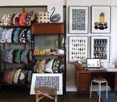 MID CENTURY MODERN CUSHIONS AND PRINTS - I love the prints!