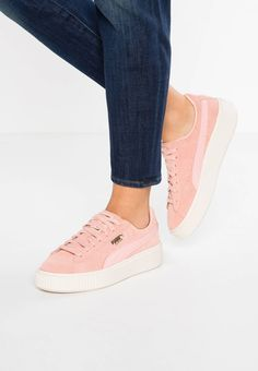SUEDE PLATFORM CORE - Trainers - coral cloud/whisper white. Shoe tip:round. Lining:imitation leather/ textile. upper material:leather. detail:decorative seams. shoe fastener:laces. Insole:textile. Padding type:Cold padding. Heel type:Platform boots. Sole:sy...
