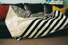 black & white quilt. so simple. so effective