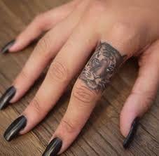 Resultado de imagen para finger tattoo