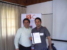 Entrega certificacion por parte del Relator Raul Herrera