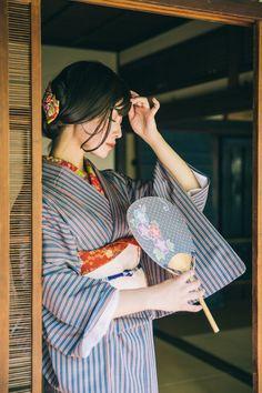 Traditional Fashion, Traditional Dresses, Japanese Kimono, Japanese Girl, Japanese Beauty, Asian Beauty, Geisha, Yukata Kimono, Kimono Design