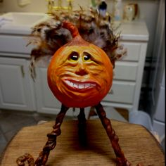 "Paper clay figure ""the Great Turkey pumpkin"""