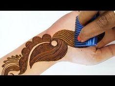 इस तीज त्योहार कंघी से लगाएं म. Indian Henna Designs, Stylish Mehndi Designs, Wedding Mehndi Designs, Mehndi Designs For Fingers, Unique Mehndi Designs, Henna Designs Easy, Beautiful Henna Designs, Arabic Mehndi Designs, Mehndi Images