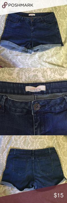 ⚡️SALE Forever 21 Denim Shorts⚡️ Cute Jean Shorts from Forever 21 Premium Denim. Bottom folders up and super comfy! Forever 21 Shorts Jean Shorts