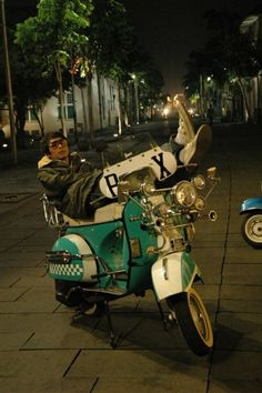 WE ARE THE MODS !!! Greencaty