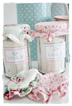 'Jam Making Set' - labels available from GreenGate and used here for vanilla sugar.