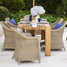 Discover Williams-Sonoma Home's luxury outdoor furniture including outdoor dining and lounge furniture. Extend your personality and style out to the patio with outdoor furniture and decor. Outdoor Table Covers, Outdoor Table Decor, Outdoor Dining, Teak Dining Table, Extendable Dining Table, Deck Furniture, Outdoor Furniture Sets, Furniture Vintage, Rustic Furniture