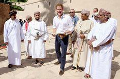 Prince Harry giggles his way through mock swordfight - Photo 1 | Celebrity news in hellomagazine.com