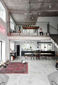The conversion of this former ski factory to a stunning loft home required plenty of creativity, persistence and a little humour. Source by sandsnowlinen The post A ski factory& industrial chic loft home conversion appeared first on Ajwa Homes. Loft Estilo Industrial, Industrial Chic Decor, Industrial Interior Design, Industrial House, Industrial Interiors, Home Interior Design, Industrial Loft Apartment, Modern Home Interior, Modern Loft Apartment