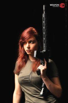 Look out the redhead's got a gun! N Girls, Girls In Love, My Kind Of Woman, Shooting Guns, Big Guns, Badass Women, Redheads, Beautiful Women, Poses