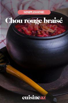 Le chou rouge braisé est une recette classique. On peut l'agrémenter de châtaignes, comme dans cette recette. #recette#cuisine#chou#chourouge #chataigne Celerie Rave, Comme, Sprouts, Braised Cabbage, Classic