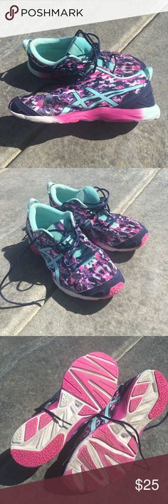 ASICS running 👟 shoes ASICS running shoes.  Pretty and comfortable running shoe.  I didn't wear them very much because they only matched a few of my workout clothes.🤪. Asics Shoes Sneakers