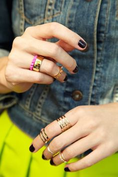Los midi rings son la mejor opción para darle un toque in a tu look! http://www.linio.com.mx/moda/joyeria/?utm_source=pinterest&utm_medium=socialmedia&utm_campaign=MEX_pinterest___fashion_midirings_20140227_20&wt_sm=mx.socialmedia.pinterest.MEX_timeline_____fashion_20140227midirings20.-.fashion