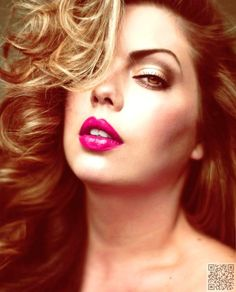 16. Play with Make up - 20 Fab #Style Tips for plus Size Ladies ... → #Fashion #Toned