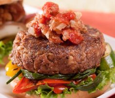 Epicure's Nutty Lentil Burgers Epicure Recipes, Vegetarian Recipes, Cooking Recipes, Healthy Recipes, Lentil Burgers, Vegan Dishes, Vegan Food, Delicious Burgers, Vegetarian Cooking