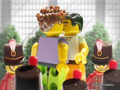 Klaine as Lego ‼️ Lego Boards, Tv Couples, Chris Colfer, Malec, Legos, Joy, Darren Criss, Supernatural, Fandom