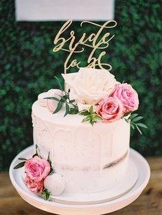 Blush Bridal Showers, Simple Bridal Shower, Garden Bridal Showers, White Bridal Shower, Bridal Shower Rustic, Garden Shower, Wedding Shower Cakes, Bridal Shower Desserts, Bridal Shower Decorations