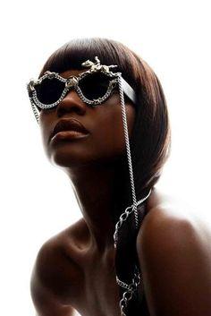 Regilla ⚜ Una Fiorentina in California Oakley Sunglasses, Discount  Sunglasses, Clubmaster Sunglasses, Round 82a753f6de7d