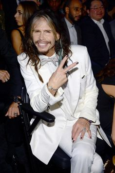 What do you think about facial fuzz? Steven Tyler, Grammy Awards 2014, Aerosmith, Fuzz, Celebs, Celebrities, Celebrity Hairstyles, Beauty Trends, My Music