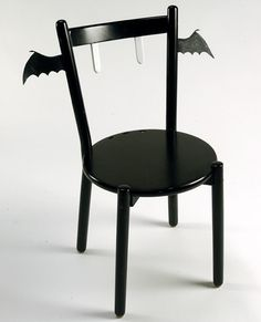 Soo Cute. This would be an awesome chair for my daughters Art Desk!!!