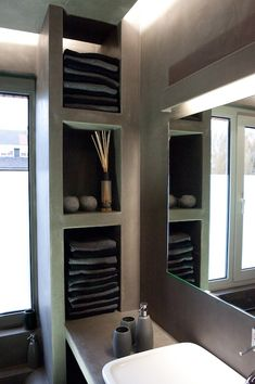 Amazing Bathroom Wall Decor Ideas Will Inspire Your Home / Design For the past year the bathroom design ideas were dominated by All-white bathroom, black and white retro tiles and seamless shower room Bathroom Shelves For Towels, Bathroom Shelf Decor, Bathroom Wall Cabinets, Small Bathroom Storage, Bathroom Ideas, Toilet Storage, Bathroom Faucets, Bathroom Lighting, Bad Inspiration