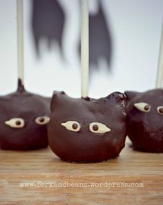 Raw Chocolate Cake Pops | Fork and Beans
