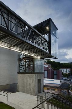 Urbanization and Urban Elevator in Galtzaraborda / VAUMM #architecture
