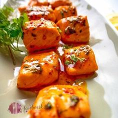 Spicy salmon cubes with honey and lemon- Würzige Lachs Würfel mit Honig und Zitrone Spicy salmon cubes with honey and lemon - Lemon Recipes, Spicy Recipes, Asian Recipes, Beef Recipes, Cooking Recipes, Healthy Recipes, Vegetarian Cooking, Shrimp Recipes, Chicken Recipes