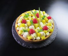 fantastik-ananas Dacquoise, Fruit Salad, Acai Bowl, Breakfast, Desserts, Food, Mint, Pineapple, Pies