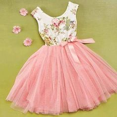 Pretty little girls dress Kids Fashion Little Girl Outfits, Little Girl Fashion, Little Dresses, Kids Outfits, Kids Fashion, Girls Dresses, Fashion Fashion, Fashion Ideas, Childrens Party Dresses