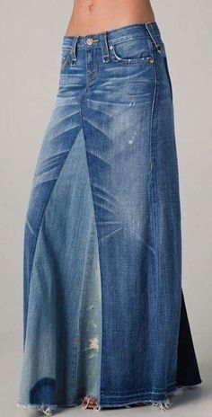 Recycled denim maxi skirt DIY tutorial - Bohemian recycled Jeans Maxi Skirt-I think using a mix of jeans and another type of fabric would be lovely Source by lanamccarver - Denim Fashion, Look Fashion, Fashion Ideas, Unique Fashion, Fashion Shirts, Lolita Fashion, Fashion 2020, Skirt Fashion, High Fashion