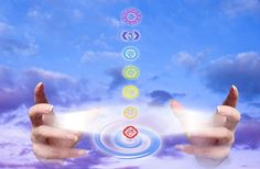 Find out about Energy Healing advantages and prejudices. What connotation the concept Energy Healing does to you? Do you know what it is Energy Healing? 7 Chakras, Healing School, Healing Hands, Health And Fitness Articles, We Energies, Music Heals, Chakra Healing, Holistic Healing, Love And Light