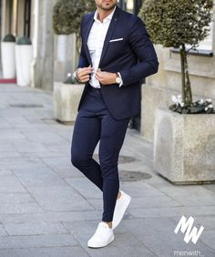 In love with this outfit worn by our dear friend 👌🏽 via Blazer Outfits Men, Mens Fashion Blazer, Mens Fashion Wear, Suit Fashion, Work Outfits, Mens Casual Suits, Stylish Mens Outfits, Mens Suits Style, Smart Casual Menswear
