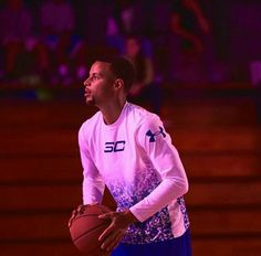Basketball Tips: Making That Free throw Stephen Curry Family, Nba Stephen Curry, Sydel Curry, Steph Curry Wallpapers, Ryan Curry, Wardell Stephen Curry, Kelly Oubre Jr, Stephen Curry Pictures, Basketball Motivation