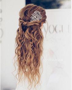 Ulyana Aster Romantic Long Bridal Wedding Hairstyles_11 ❤ See more: http://www.deerpearlflowers.com/romantic-bridal-wedding-hairstyles/2/