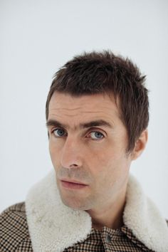 Liam gallagher on break-ups, his brother and why music needs him Harry Styles Selfie, Harry Styles Imagines, David Hair, Mod Hair, Funny Interview, Noel Gallagher, Britpop, Good Looking Men, Haircuts For Men