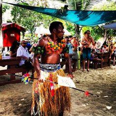 #meke #fiji #traditional #dance #travel #southsea #southseaisland #backpacking #backpacker #fijian #