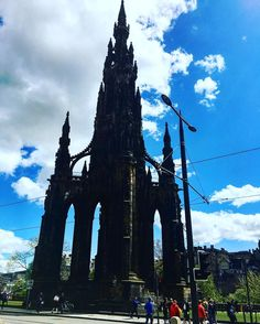 Have you climbed the Scottish Monument yet? #edinburgh #scotland #springtime #scottishmonument #bluesky #monument #discoverscotland