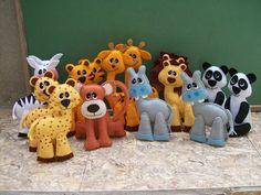 Estes animaizinhos servem para enfeitar sua festa infantil, como centro de mesa, lembrancinha, Valor da unidade 12,00 Pesam aprox. 30g Temas: Safari, Arca de Noe e Fazendinha. R$ 12,00