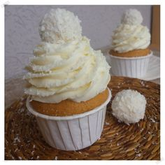 Creme Mascarpone, Cheesecake, Sandwiches, Sweet Recipes, Panna Cotta, Deserts, Good Food, Food And Drink, Favorite Recipes