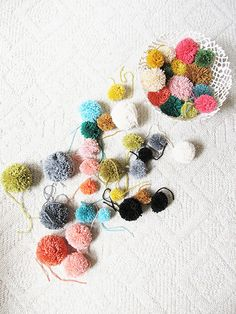 yum.. could make some pom poms now... so inspiring!