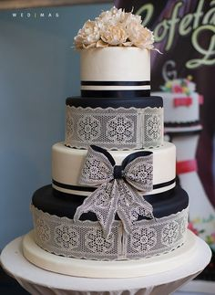 You simply must check out these amazing wedding cakes we are featuring today! The red cascading tulip cake is too pretty to eat! Black And White Wedding Cake, White Wedding Cakes, Lace Wedding, Purple Wedding, Wedding Ceremony, Crazy Cakes, Unique Cakes, Elegant Cakes, Amazing Wedding Cakes