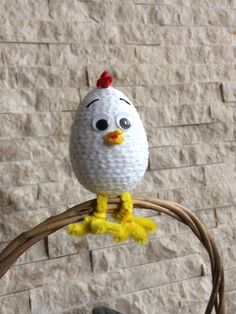 Basket Crafts, Spring Crafts, Easter Baskets, Concrete, Bird, Crochet, Books, Handmade, Finding Nemo