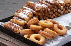 Churros y Roscas | Churros and Doughnuts - street food in Buenos Aires, Argentina