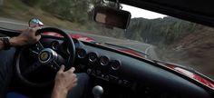 Harvinainen video – 50 miljoonan taalan Ferrari saa vuoristotiellä kunnon kyytiä