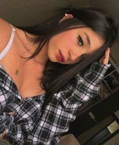 Selfe selfe nutrition in chicken breast - Nutrition Selfies Poses, Tumblr Selfies, Girl Photography Poses, Tumblr Photography, Poses For Photos, Girl Photos, Tattoo Asian, Insta Photo Ideas, Girl Inspiration